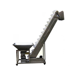 Bucket feeding conveyor